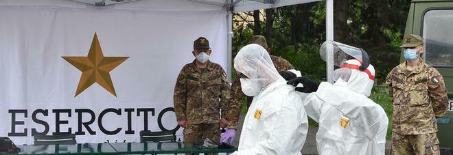Vaccino Astrazeneca sospeso per militari e forze dell'ordine: cosa è successo