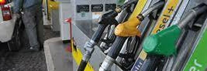 Costo della benzina in aumento. 1,634 euro al litro: il più elevato dal 2018