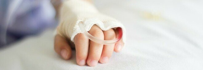 Bambina di 26 giorni ricoverata in terapia intensiva covid. I genitori positivi e non vaccinati
