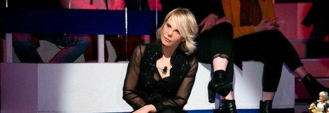 """Maria De Filippi non va in onda giovedì, sospesi """"Amici"""" e """"Uomini e Donne"""". Ecco perché"""