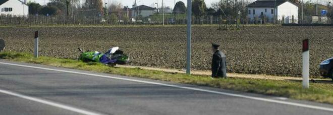 Tragico incidente: motociclista si schianta e muore sul colpo