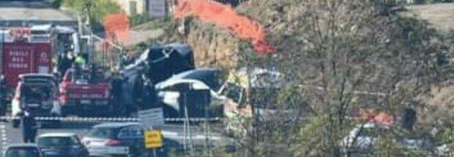 Scontro tra auto sulla Casilina: muore bimba di 7 anni, grave la baby sitter