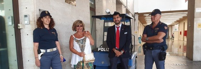 Palermo, turista francese dimentica borsa con 5370 euro: capotreno la restituisce