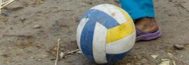 Isis, giustiziato un bambino di 7 anni: aveva imprecato durante una partita con gli amici
