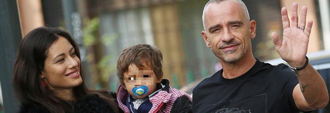 Eros Ramazzotti compleanno in famiglia  al ristorante con Marika, i figli e  il papà e005be752e