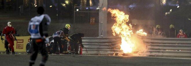 Nel GP della paura per Grosjean, sopravvissuto tra le fiamme, il dominio di Hamilton
