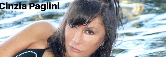 Cinzia Paglini, la cantante scomparsa da venerdì. Aveva denunciato il suo stalker, a Barbara D'Urso ha detto: «Ho pensato al suicidio»