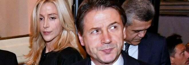 Conte, la procura indaga sull'uso della scorta e dell'auto blu dalla fidanzata del premier