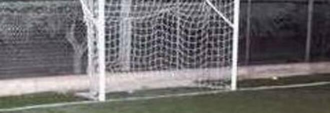 Colpito da un fulmine all'allenamento di calcio, bimbo di 9 anni muore in campo