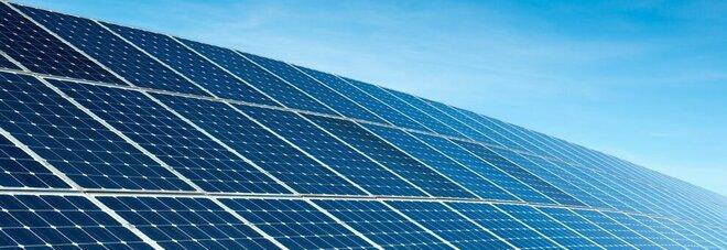 Singapore, pannelli solari galleggianti in mezzo al mare per combattere il cambiamento climatico