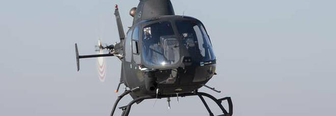 Vanno con tre elicotteri in un rifugio di montagna per prendere la polenta da asporto