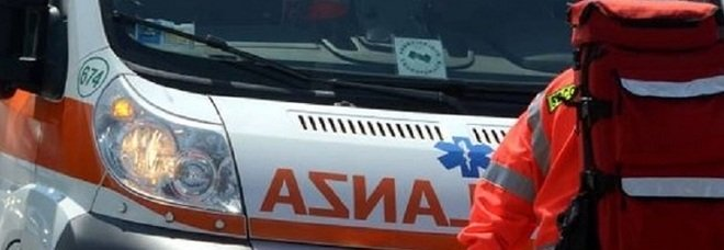 Schianto in galleria tra furgone e Apecar: morti marito e moglie