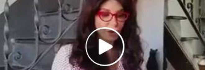 """Carmen Di Pietro torna sui social con le poesie """"a modo suo"""" -Guarda"""