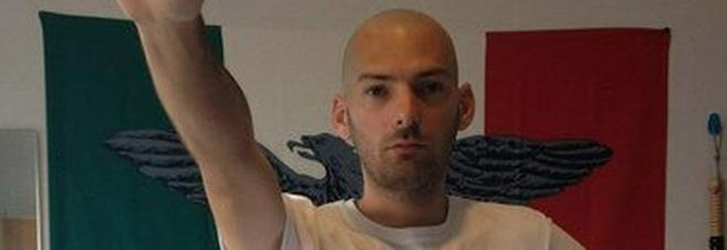 «Sono naziskin, antisemita e omofobo», i post choc del candidato a Fondi Christian D'Adamo