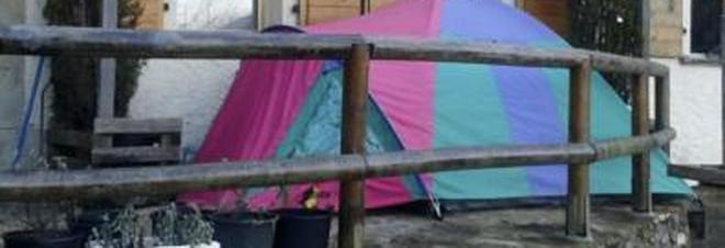 equitalia vuole la tares, ma lui vive in tenda