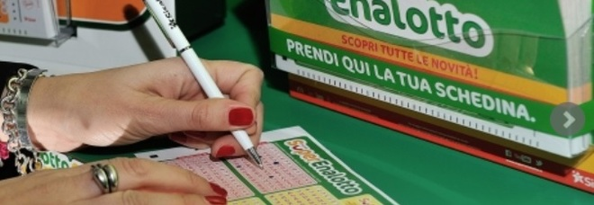 Superenalotto, pensionato di Trieste riscuote la vincita da 67mila euro del 2 marzo scorso