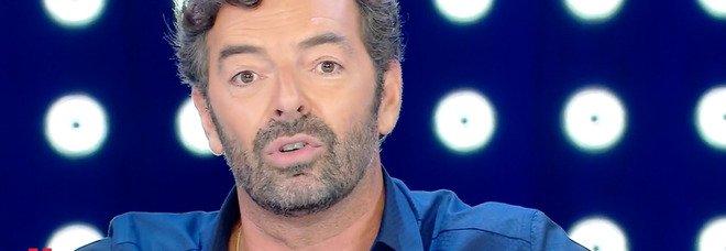 Alberto Matano, la frase inaspettata alla fine della puntata di Vita in Diretta. Fan increduli: «È una frecciatina...»