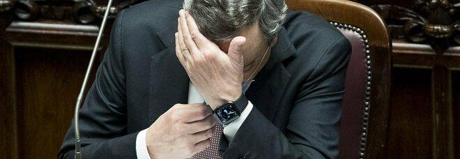 Draghi alla Camera: «Riaperture, avanti piano. Migranti? Nessuno sarà lasciato solo in mare»