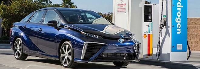 Il futuro è dell'auto a idrogeno: emette solo ecologico vapore acqueo