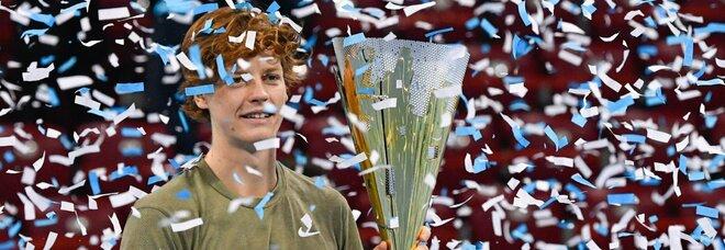 Jannik Sinner vince l'Open di Sofia, battuto Pospisil al terzo set. E' il suo primo successo in un torneo Atp