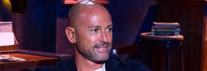 Stefano Bettarini squalificato dal Grande Fratello Vip: «Non possiamo perdonare». Alfonso Signorini deluso