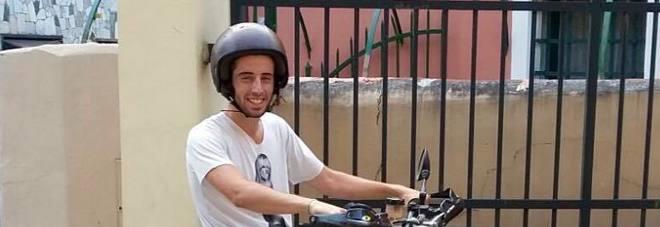 Scontro tra motociclette a Genova: Nicolò muore a 22 anni, feriti altri tre centauri -Foto