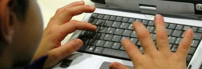 Bambino di 11 anni si suicida in diretta durante una lezione online