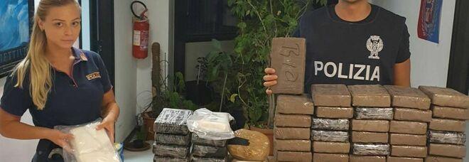 Cinquanta chili di cocaina in giro per Roma a bordo di due utilitarie