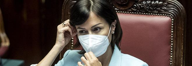 Mara Carfagna in isolamento fiduciario: «Contatto con un positivo, è in attesa di tampone»