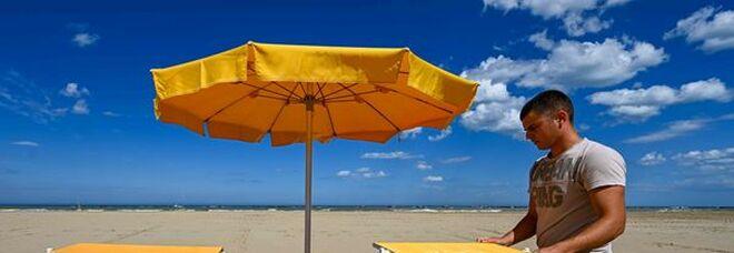 Confturismo, c'è voglia di vacanze tra gli italiani: quasi la metà ha scelto agosto