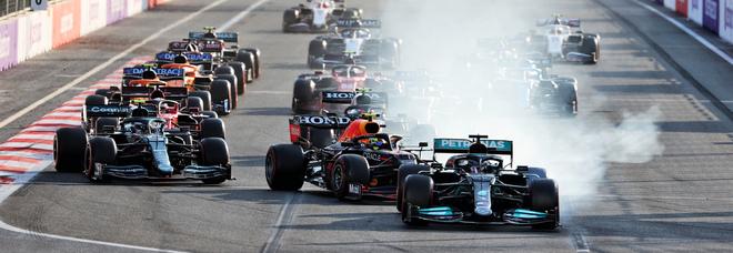 Live F1, GP di Baku in diretta: Perez vince davanti a Vettel e Gasly, Leclerc 4° Hamilton ultimo