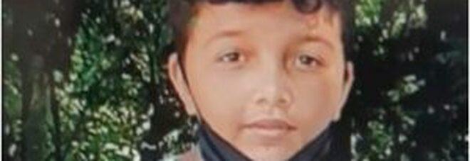 Dodicenne muore investito da un furgone mentre attraversava la strada: stava tornando da scuola