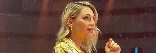Anna Tatangelo scoppia a piangere ad All Together Now, Michelle Hunziker costretta a intervenire: «Non entriamo nei dettagli...»
