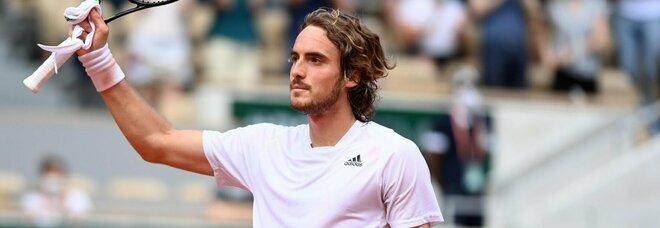 Roland Garros, Tsitsipas e Medvedev raggiungono Berrettini ai quarti di finale. Avanti anche Davidovich Fokina e Zverev