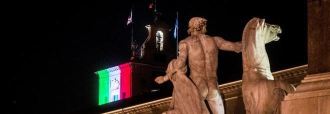Quirinale, luce tricolore sul Torrino per il lutto coronavirus