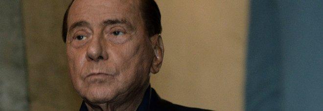 Berlusconi, terzo giorno di ricovero. Zangrillo: «Fase delicata». Per oggi stop a comunicazioni