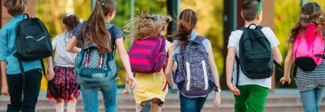 Scuola, tornano le feste di fine anno ma solo all'aperto: studenti nei parchi, nelle ville storiche e nelle piazze
