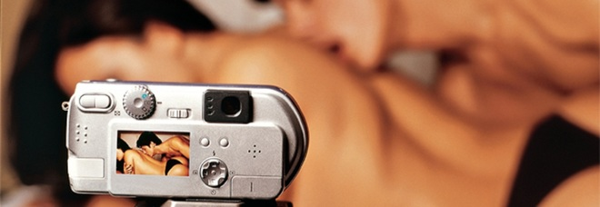 Telecamera nascosta doccia porno