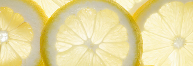 Acqua E Limone La Sera.Limone Le Proprieta Segrete Abbassa La Pressione Ed E Un