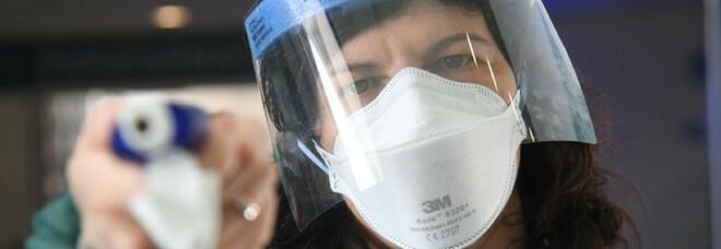 I lavoratori essenziali devono indossare le mascherine anche in casa per proteggere i familiari: il provvedimento a Los Angeles
