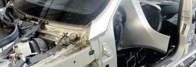 Smontavano e riassemblavano auto rubate in un garage for Quattro piani di garage per auto