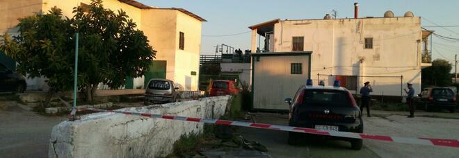 Uccide la moglie a coltellate e tenta il suicidio: ora è piantonato in ospedale