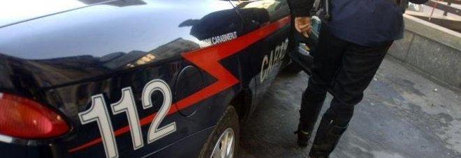 Roma, rom scappano dopo il furto e travolgono una famiglia in auto: un arresto, due in fuga