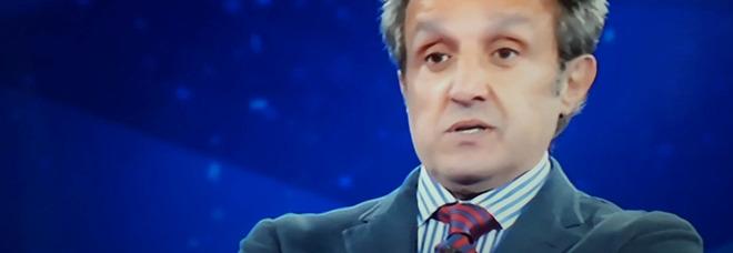 """L'Eredità, la risposta """"volgare"""" del concorrente a Flavio Insinna. Fan increduli: «Ma che dice?». Lui reagisce così"""