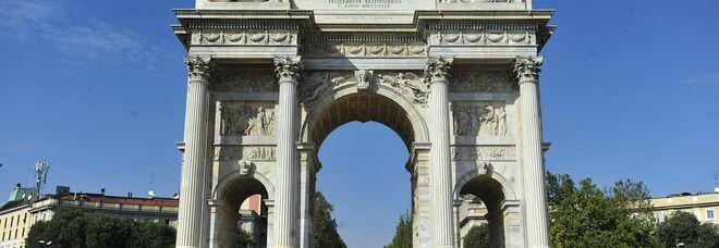 Milano, dicevano alle vittime: «Puzzi di soldi» e le picchiavano e rapinavano. Presi 4 della baby gang dell'Arco della Pace
