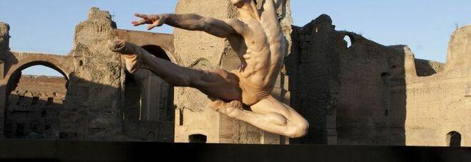 Milano, Roberto Bolle danza con il web