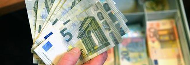 Il coronavirus si trasmette con i soldi contanti? La risposta dell'esperto