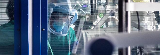 Coronavirus, la lettera choc della dottoressa: «Costretta ad andare al lavoro con i sintomi del Covid. Non volevano farmi il tampone»