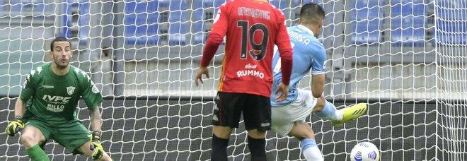 Lazio-Benevento 5-3: emozioni e gol all'Olimpico. Il derby degli Inzaghi se lo prende Simone
