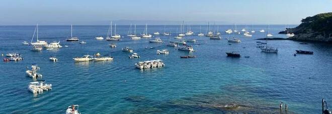 Vaccinare le isole per favorire il turismo: esultano Tremiti e Ischia. Ma il sindaco di Tropea non ci sta: «Una boutade»